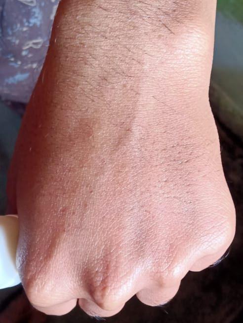 How skin look after applied the lakme peach milk moisturiser