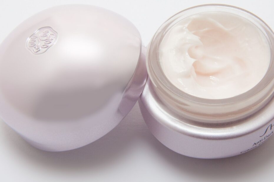 10 Best Skin Lightening Cream in 2021